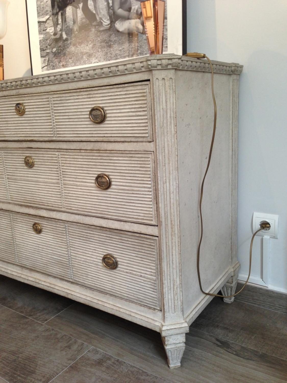 swedish gustavian style chest picture 3 - Gustavian Style Furniture