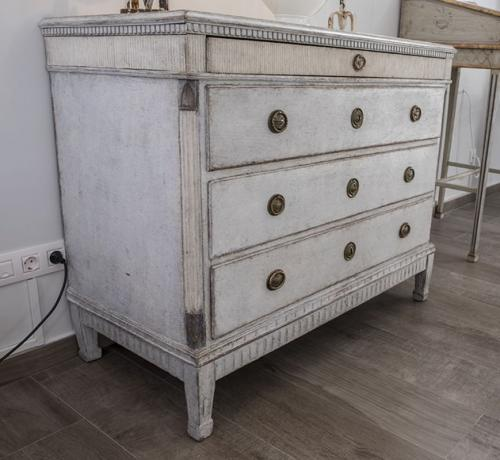 Gustavian Period Chest of Drawers