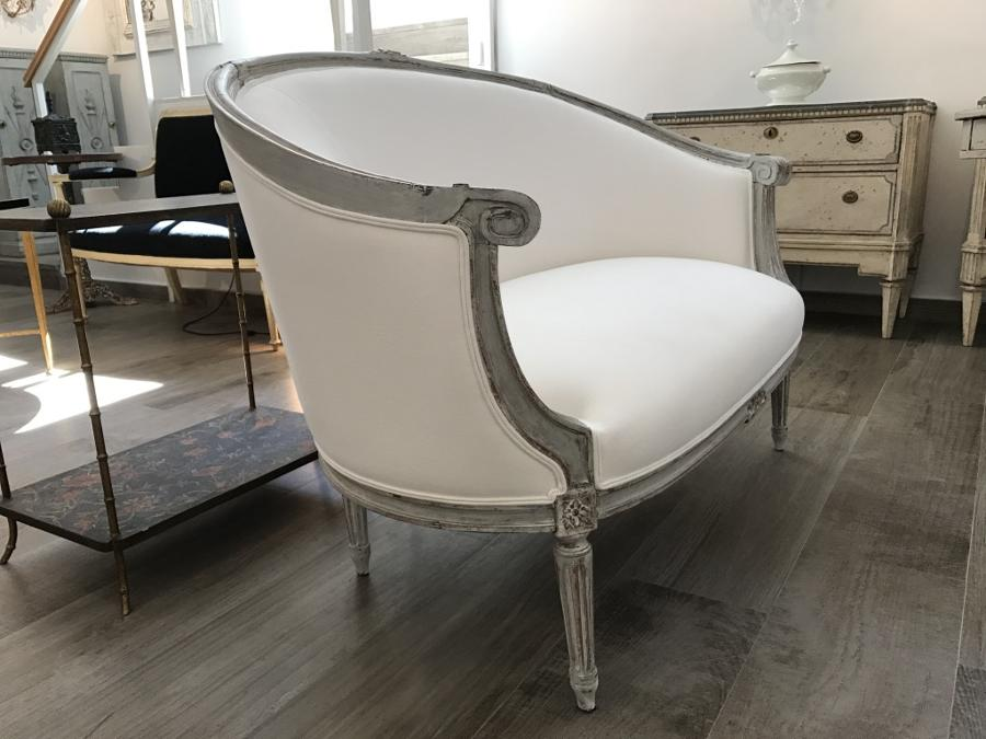 Louis XVI Style Corbeille Canape