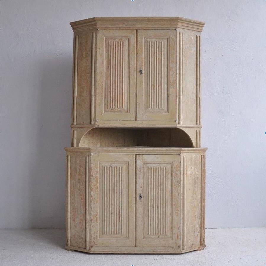 Gustavian Period Corner Cabinet, Circa 1800